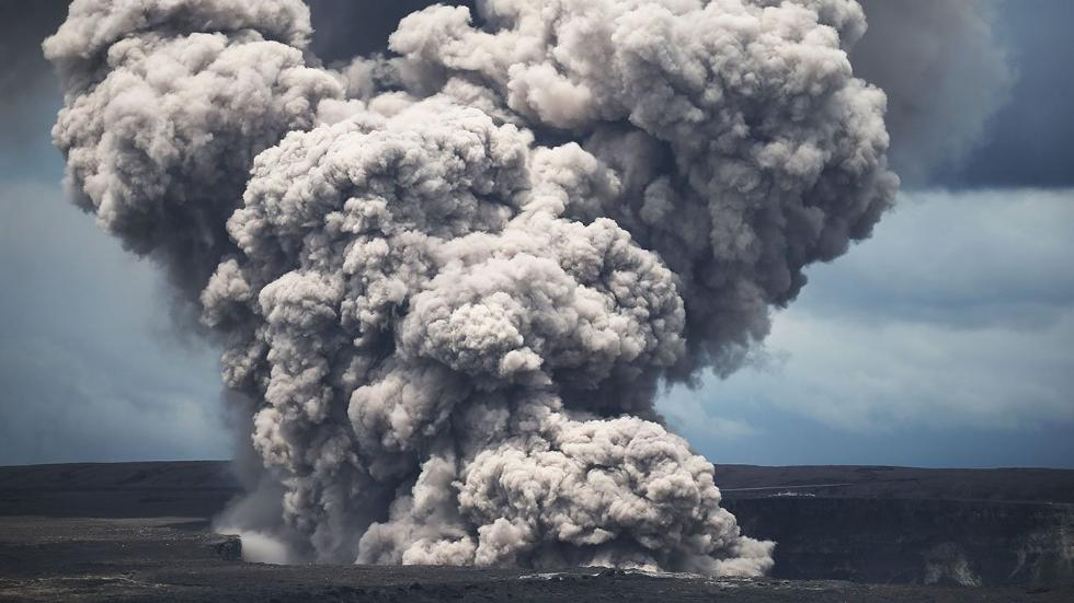 "Watch: Kilauea Summit Erupts ""Explosively"", Sending Plume Of Ash 30,000 Feet Into Sky"