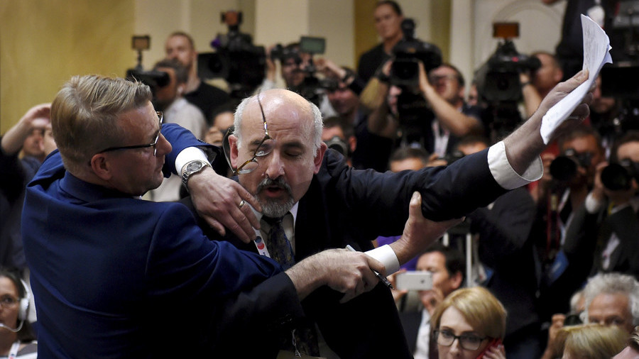 Journalist Kicked Out of Trump-Putin Presser Because of the Possibility of Raising Israel Nukes Issue